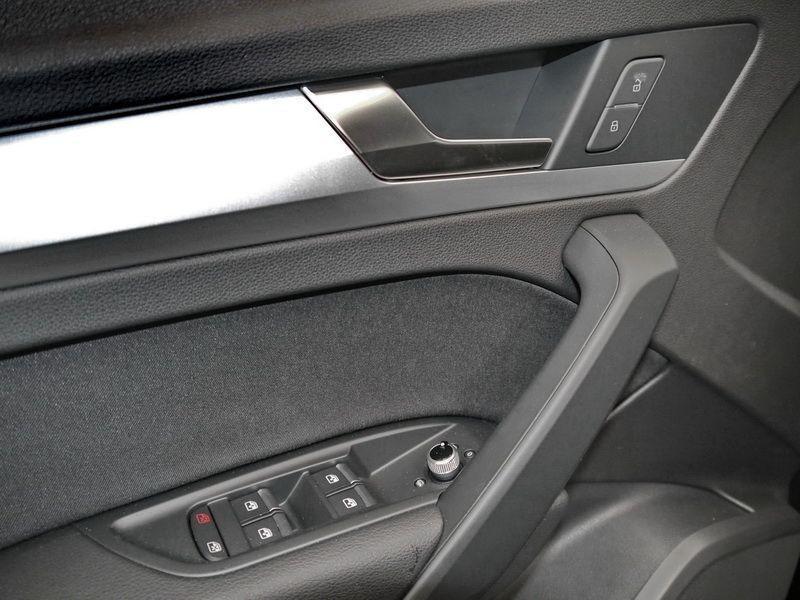 Audi Q5 2.0 TDI Quattro 163 Bleu occasion à Beaupuy - photo n°8