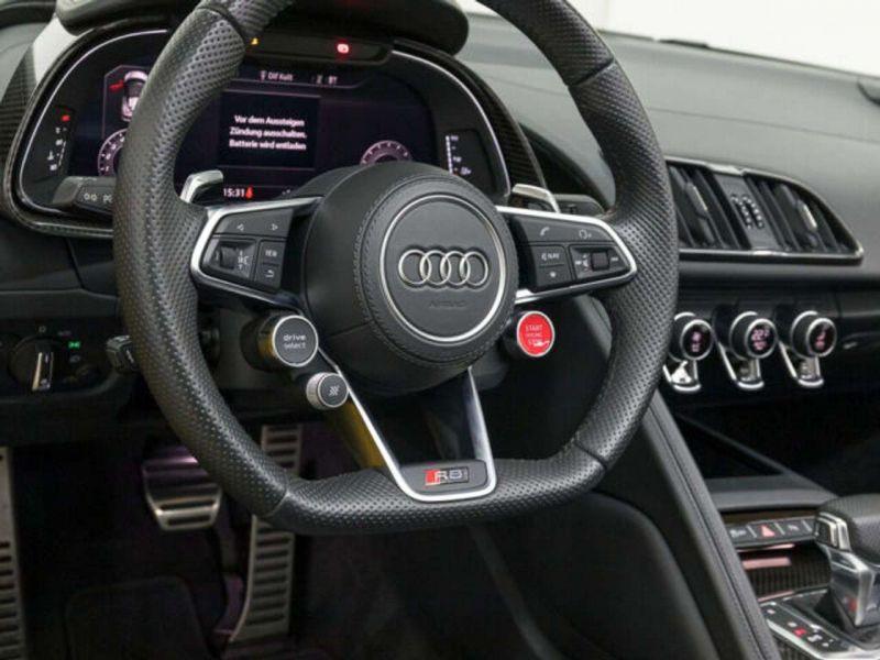 Audi R8 Spyder 5.2 FSI V10 Performance Quattro 620 Jaune occasion à BEAUPUY - photo n°8