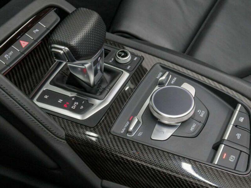 Audi R8 Spyder 5.2 FSI V10 Performance Quattro 620 Jaune occasion à BEAUPUY - photo n°6