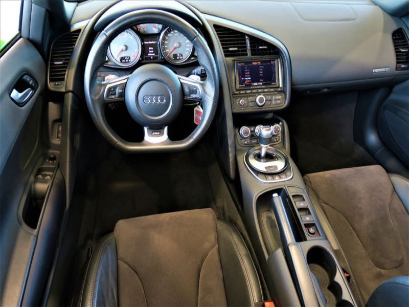 Audi R8 Spyder V8 4.2 FSI Quattro 430 ch Vert occasion à BEAUPUY - photo n°2