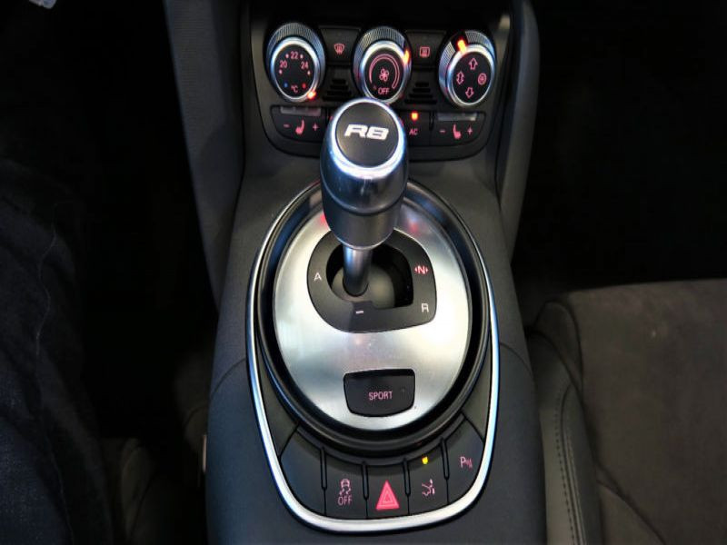 Audi R8 Spyder V8 4.2 FSI Quattro 430 ch Vert occasion à BEAUPUY - photo n°8