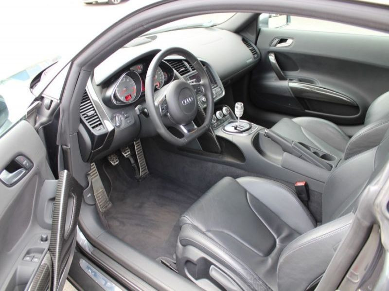 Audi R8 4.2 FSI Quattro 420 Gris occasion à BEAUPUY - photo n°2