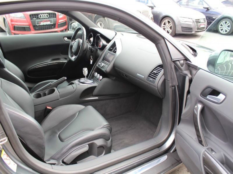 Audi R8 4.2 FSI Quattro 420 Gris occasion à BEAUPUY - photo n°5