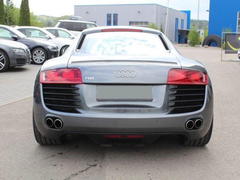 Audi R8 4.2 FSI Quattro 420 Gris occasion à BEAUPUY - photo n°9