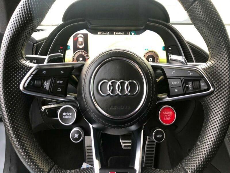 Audi R8 5.2 FSI V10 plus Quattro 610 Gris occasion à BEAUPUY - photo n°7