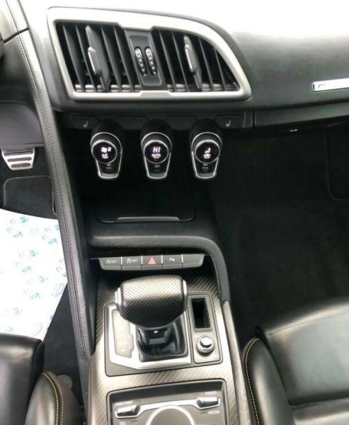 Audi R8 5.2 FSI V10 plus Quattro 610 Gris occasion à BEAUPUY - photo n°5
