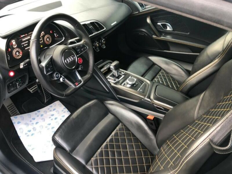 Audi R8 5.2 FSI V10 plus Quattro 610 Gris occasion à BEAUPUY - photo n°2
