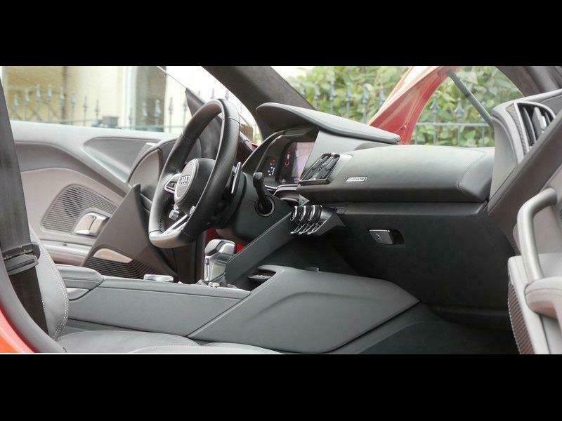 Audi R8 5.2 FSI V10 plus Quattro 610 Rouge occasion à BEAUPUY - photo n°6