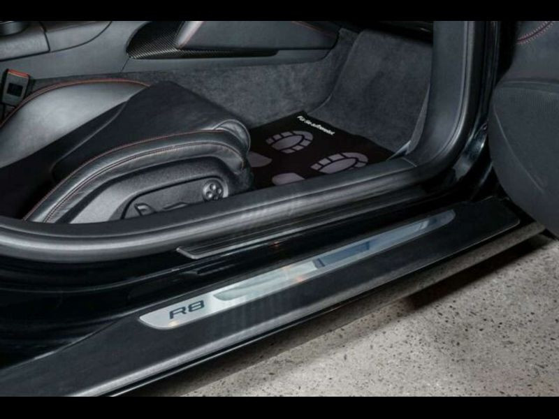 Audi R8 V8 4.2 FSI 420 ch Noir occasion à BEAUPUY - photo n°7