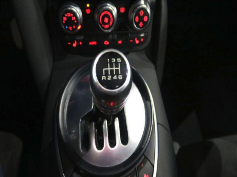 Audi R8 V8 4.2 FSI 420 ch Blanc occasion à BEAUPUY - photo n°4