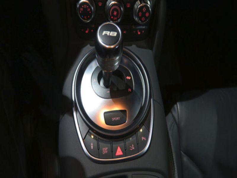 Audi R8 V8 4.2 FSI 420 ch Gris occasion à BEAUPUY - photo n°4