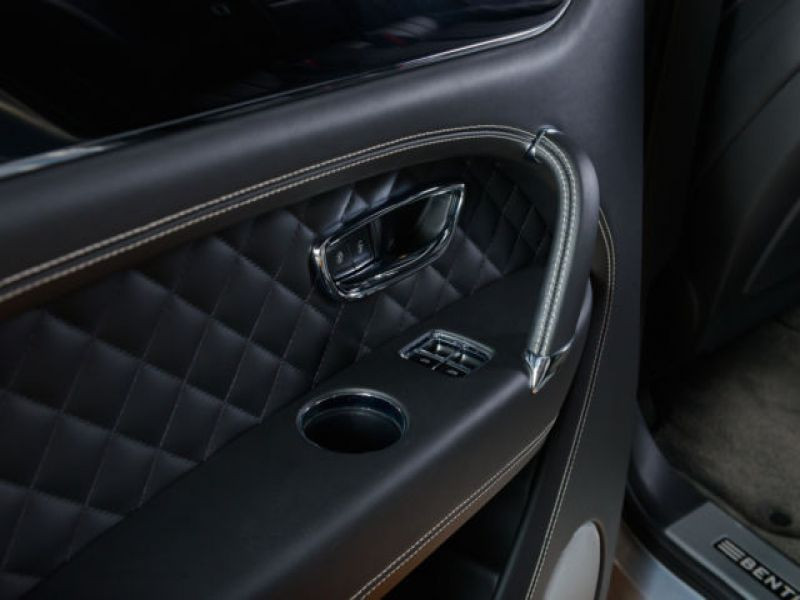Bentley Bentayga W12 Gris occasion à BEAUPUY - photo n°7