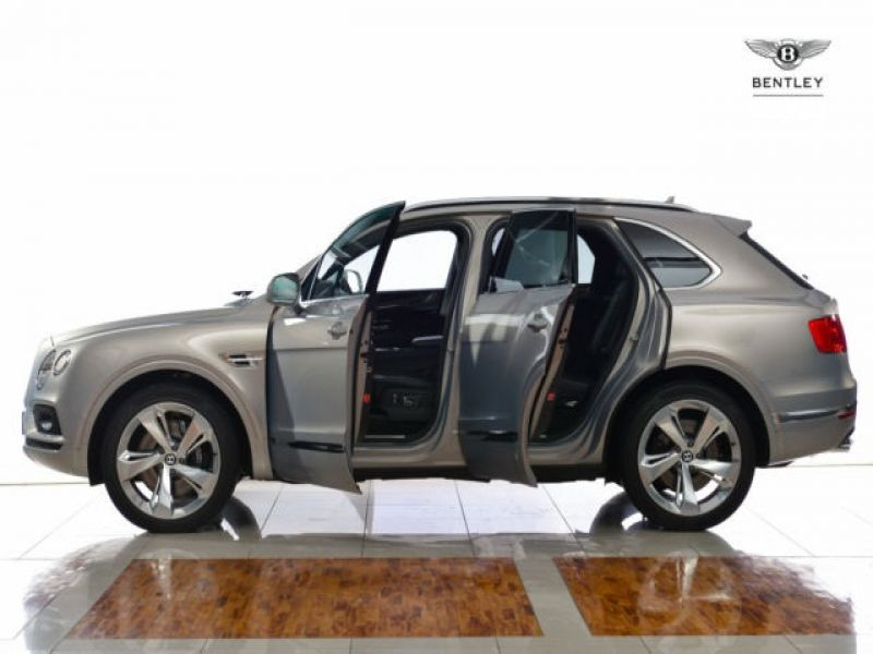 Bentley Bentayga W12 Gris occasion à BEAUPUY - photo n°8