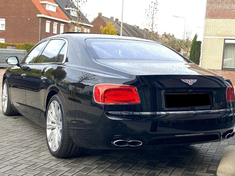 Bentley CONTINENTAL FLYING SPUR 4.0 V8 Mulliner Noir occasion à BEAUPUY - photo n°9