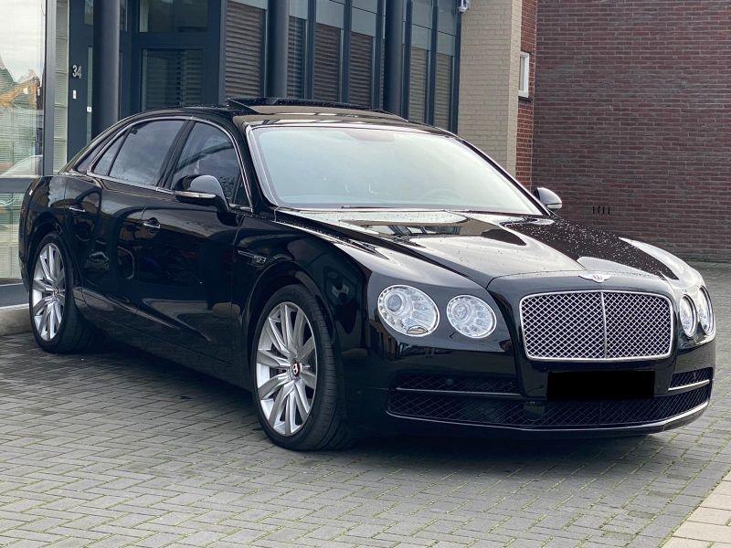 Bentley CONTINENTAL FLYING SPUR 4.0 V8 Mulliner Noir occasion à BEAUPUY