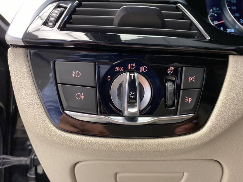 Bmw 520 G30 520d xDrive 190 ch BVA8 Luxury Noir occasion à Carcassonne - photo n°11