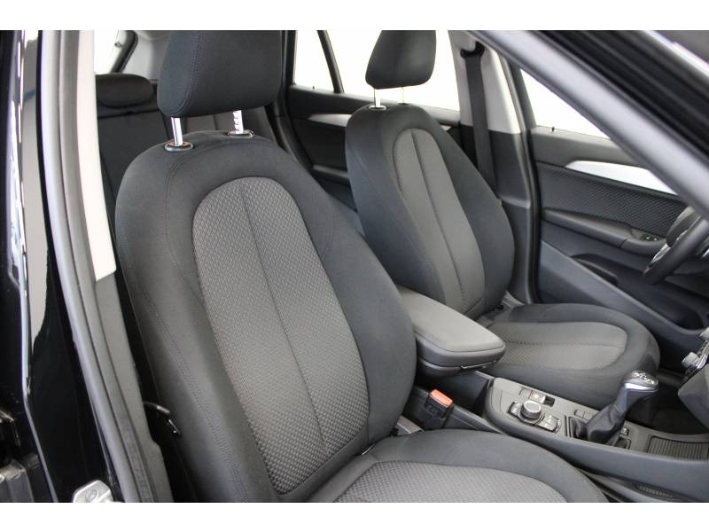 Bmw X1 F48 xDrive 20d 190 ch BVA8 Lounge Noir occasion à Lescar - photo n°9