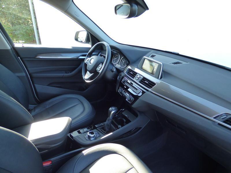 Bmw X1 sDrive18dA 150ch xLine Blanc occasion à Laval - photo n°8