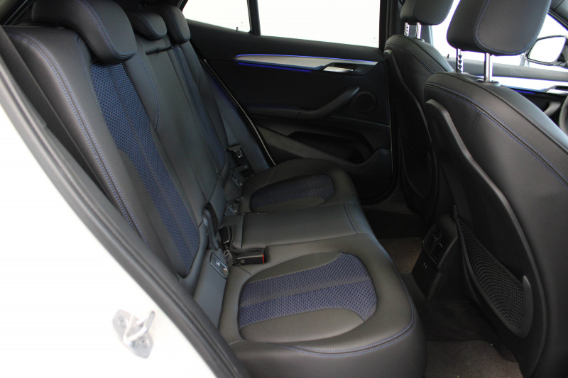 Bmw X2 X2 sDrive 18d 150 ch BVA8 M Sport 5p Blanc occasion à Lescar - photo n°9