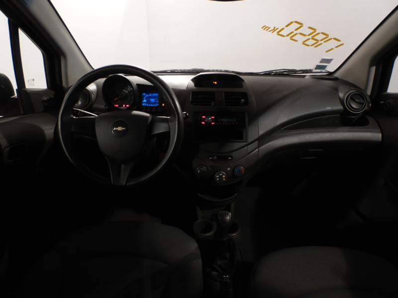 Chevrolet Spark 1.0 16V 68 CH Rouge occasion à Brest - photo n°4