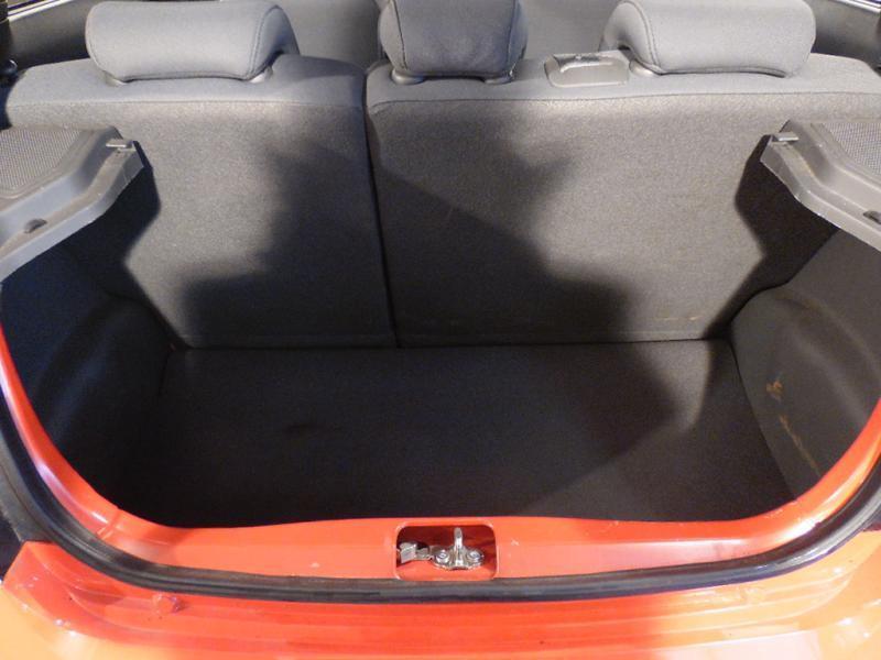 Chevrolet Spark 1.0 16V 68 CH Rouge occasion à Brest - photo n°7