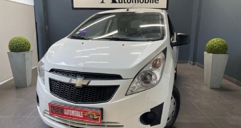 Chevrolet Spark 1.0 ESS 68 CV 1ERE MAIN Blanc occasion à COURNON D'AUVERGNE