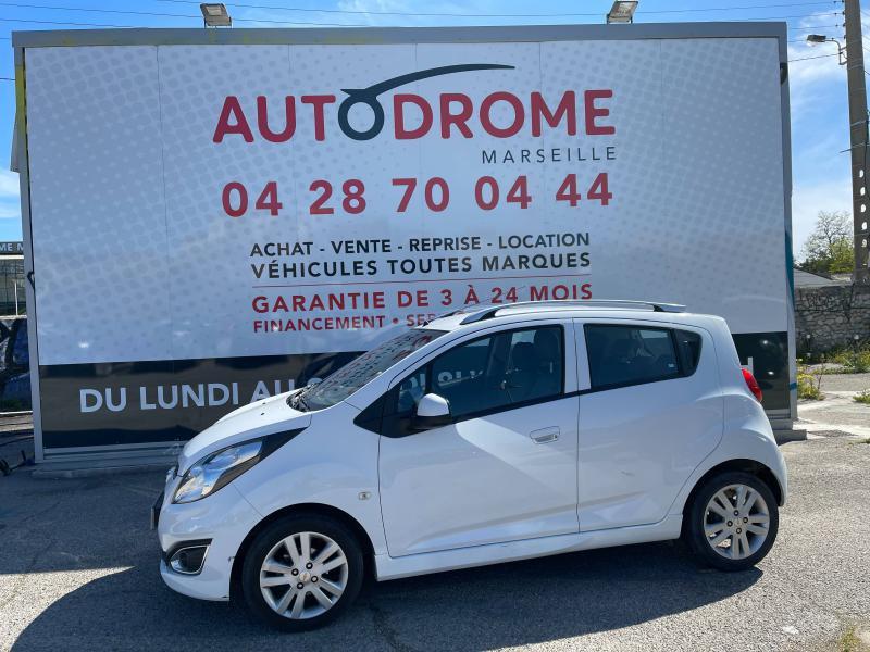 Chevrolet Spark 1.2 16v 81Ch LTZ 5p - 66 000 Kms Blanc occasion à Marseille 10 - photo n°4