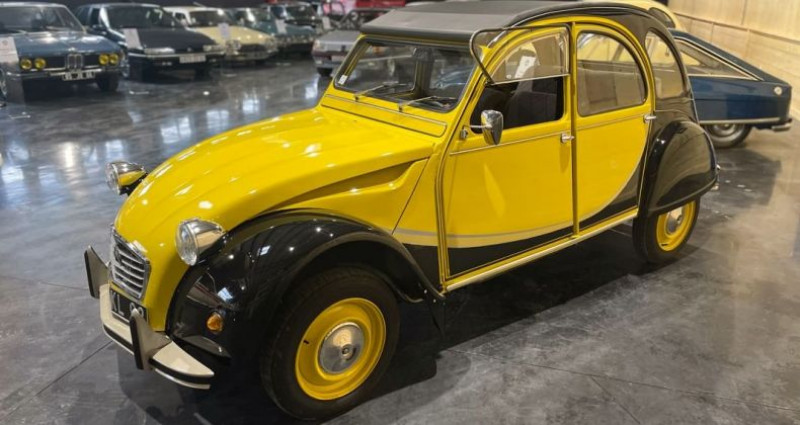Citroen 2CV Très authentique 2cv6 charleston jaune et noire 1ère main Jaune occasion à LA BOISSE - photo n°2
