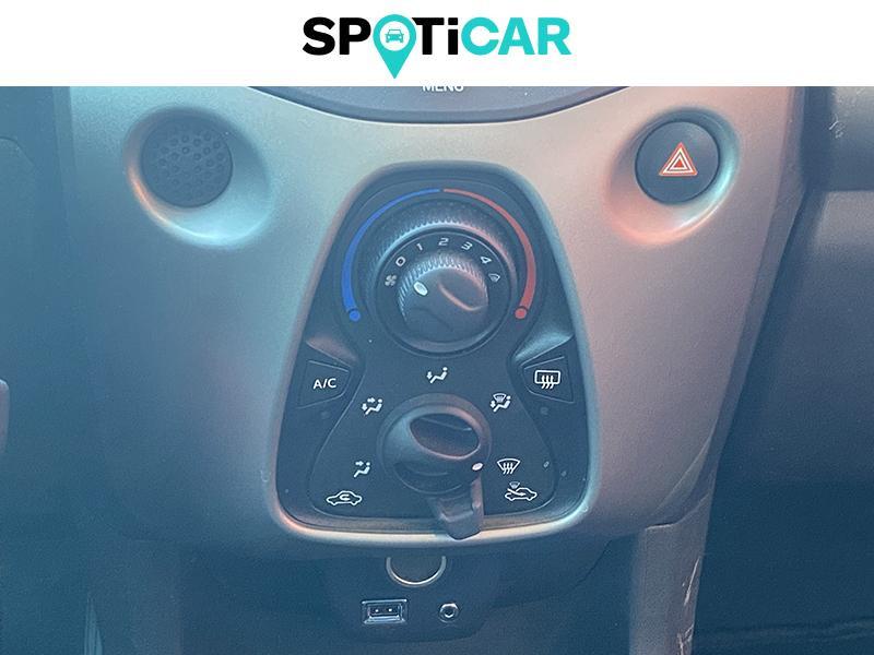 Citroen C1 VTi 68 Feel 3p Rouge occasion à Lescar - photo n°16