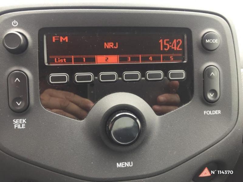 Citroen C1 VTi 72 S&S Live 3p E6.d-TEMP Rouge occasion à Coulommiers - photo n°13
