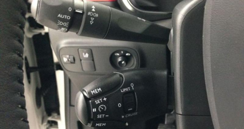 Citroen C3 1.2 PureTech 110 SHINE Blanc occasion à CHANAS - photo n°6