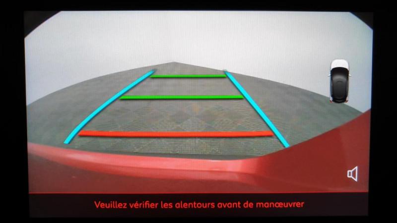 Citroen C3 1.2 puretech 83cv bvm5 shine + radar av + camera de recul Rouge occasion à Riorges - photo n°16