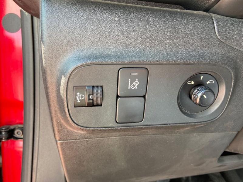 Citroen C3 BlueHDi 100 SHINE GPS Toit Panoramique Caméra Rouge occasion à Lescure-d'Albigeois - photo n°17