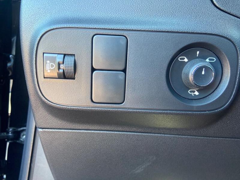 Citroen C3 PureTech 110 BV6 SHINE GPS Caméra Noir occasion à Montauban - photo n°20