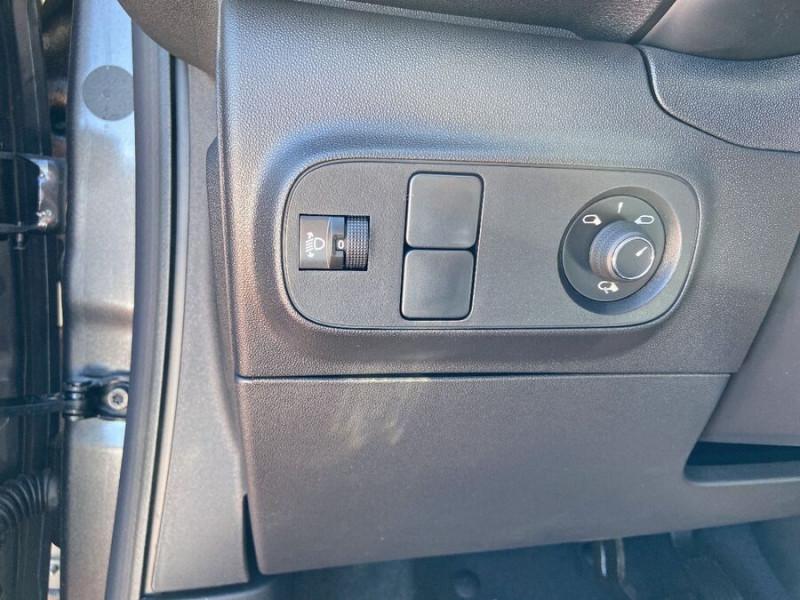 Citroen C3 PureTech 110 EAT6 SHINE GPS Caméra Gris occasion à Lescure-d'Albigeois - photo n°18