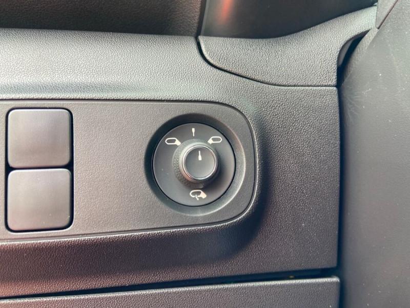 Citroen C3 PureTech 110 EAT6 SHINE Mirror Link Caméra Angles Morts Rouge occasion à Montauban - photo n°19