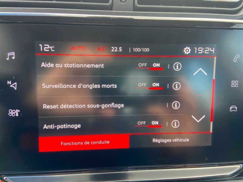 Citroen C3 PureTech 110 EAT6 SHINE Mirror Link Caméra Angles Morts Rouge occasion à Montauban - photo n°16