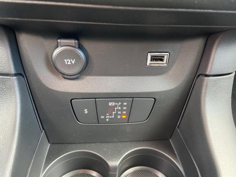 Citroen C3 PureTech 110 EAT6 SHINE Mirror Link Caméra Angles Morts Rouge occasion à Montauban - photo n°17