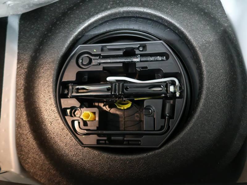 Citroen C3 VTi 82 PureTech Confort Gris occasion à VANNES - photo n°9