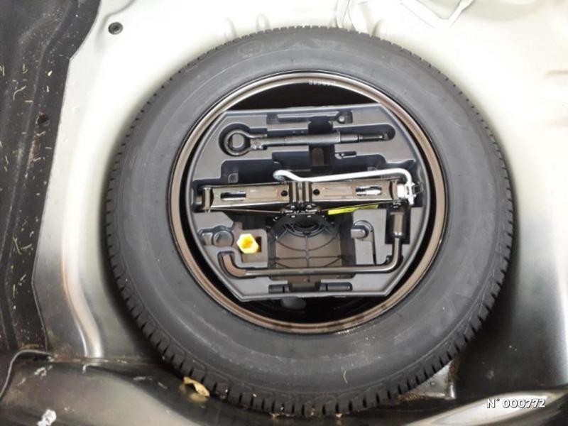 Citroen C4 Cactus PureTech 82 Shine Gris occasion à Écuelles - photo n°9