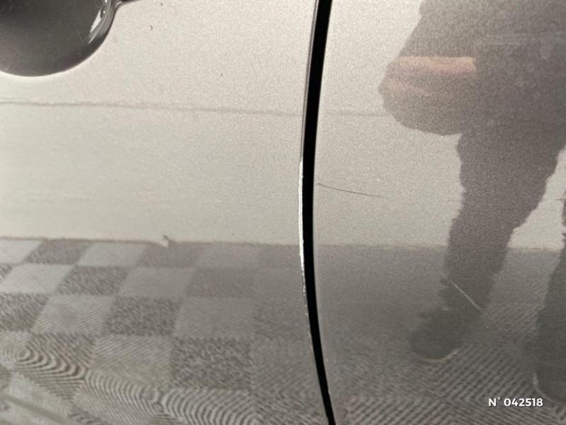 Citroen C4 PureTech 110ch Feel Gris occasion à Boulogne-sur-Mer - photo n°19