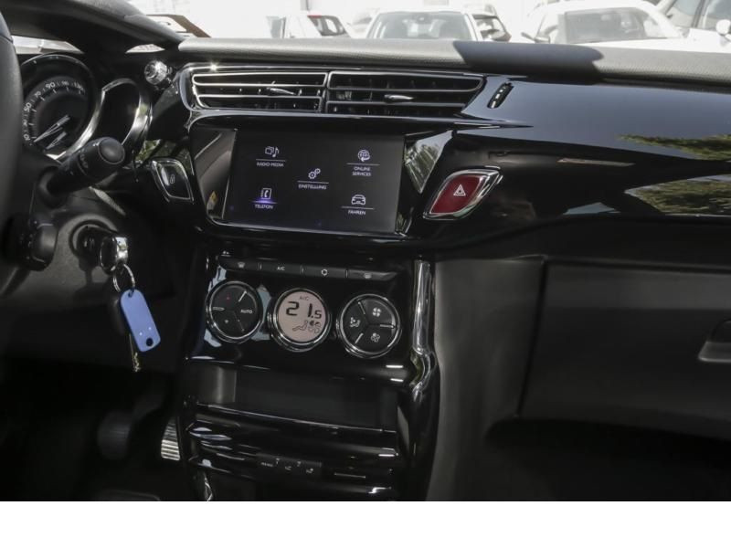Citroen DS3 1.2 PureTech 110 Blanc occasion à Beaupuy - photo n°6