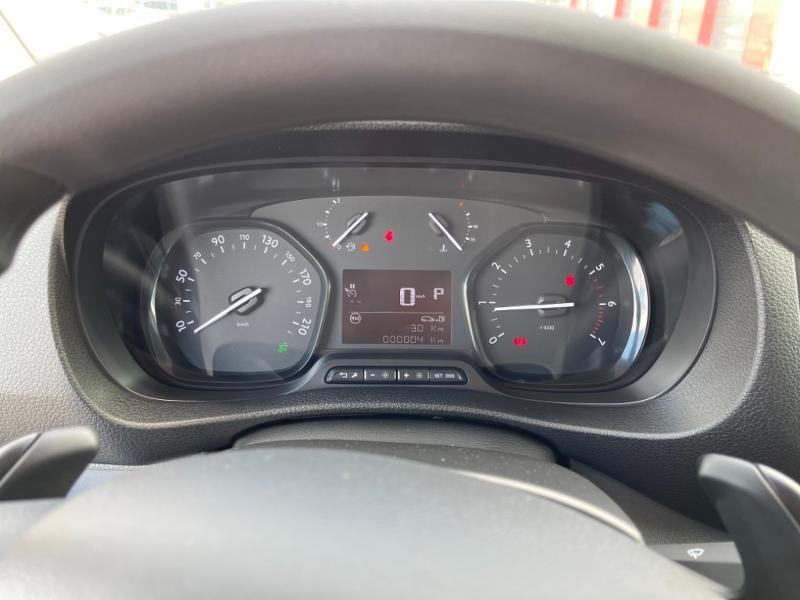 Citroen Jumpy M 2.0 BlueHDi 120ch S&S Driver EAT8 Gris occasion à MORLAIX - photo n°10