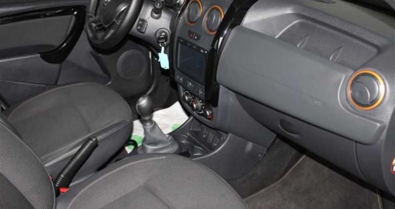 Dacia Duster 1.2 Tce 125 4x2 Explorer Noir occasion à SAINT FULGENT - photo n°2