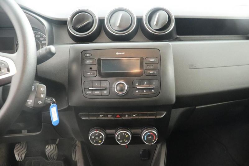 Dacia Duster dCi 110 4x2 Confort Gris occasion à Aubagne - photo n°11