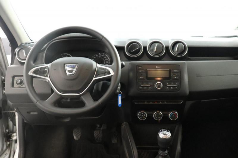 Dacia Duster dCi 110 4x2 Confort Gris occasion à Aubagne - photo n°4