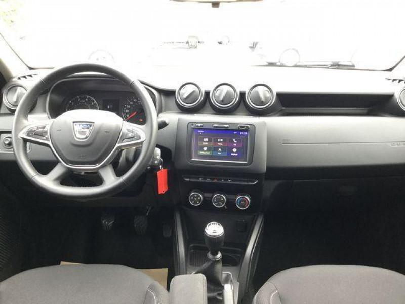 Dacia Duster dci 110 4x2 confort Gris occasion à Saint-Malo - photo n°4