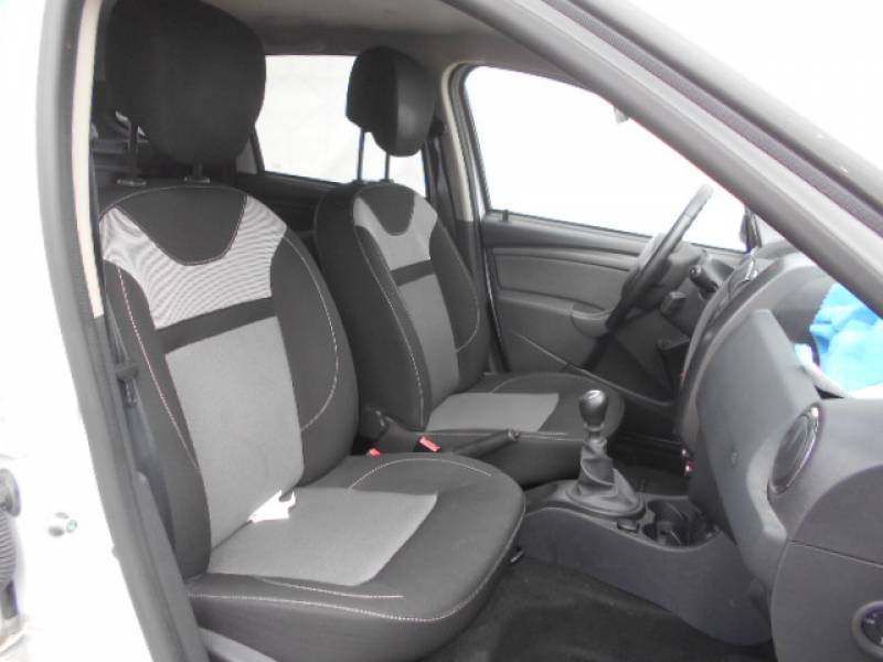 Dacia Duster dCi 110 4x2 Prestige Edition 2016 Blanc occasion à Sainte-Bazeille - photo n°3