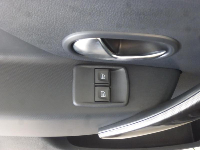Dacia Sandero 0.9 TCe 90ch Stepway Gris occasion à PLOUMAGOAR - photo n°4