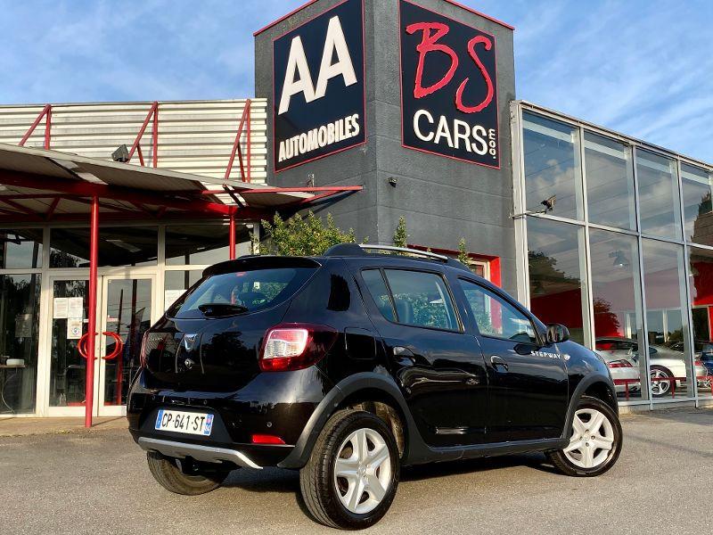Dacia Sandero 1.5 dCi 90ch FAP Stepway Euro 5 Noir occasion à Castelmaurou - photo n°2